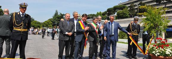 Piazza Umberto Terracini: consegna aree verdi